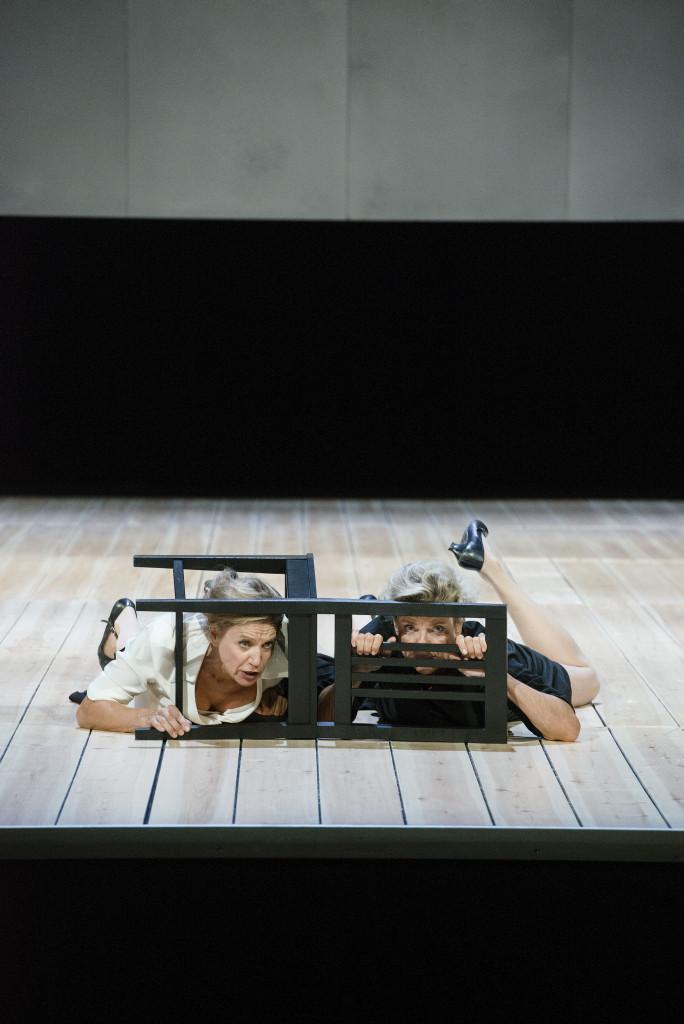 Maria Stuart av Friedrich Schiller Dramaten 2015 Regi: Peter Konwitschny Scenografi: Johannes Leiacker Motiv: Ylva Ekblad, Stina Ekblad