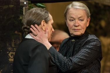 Premiär på Kulturhuset/ Stadsteatern, Klarascenen den 22 april 2016 Regi: Tommy Berggren Scenografi: Anna Asp